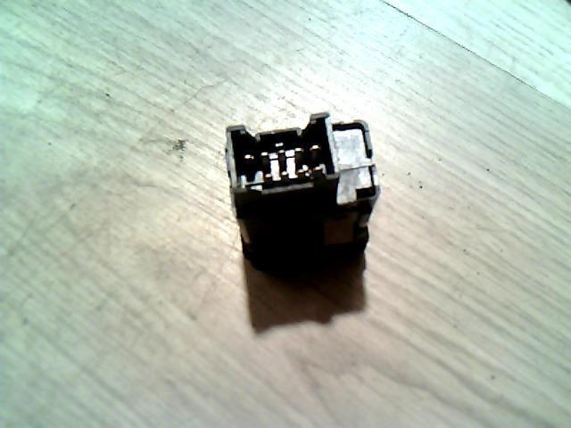 Használt 01638 Vészvillogó kapcsoló / elakadásjelző kapcsoló Alkatrész
