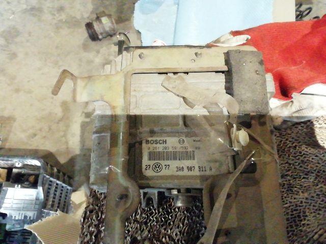 Használt 0261203591592 Motorvezérlő egység / ECU / PCM modul Alkatrész