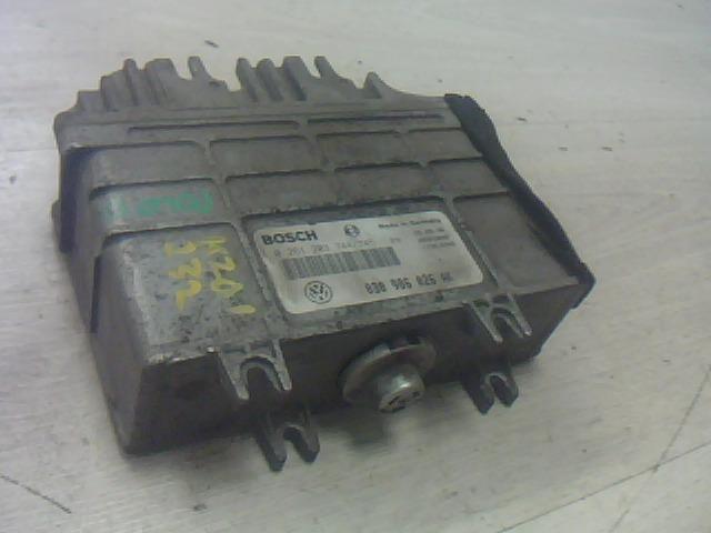 Használt 0261203744 Motorvezérlő egység / ECU / PCM modul Alkatrész