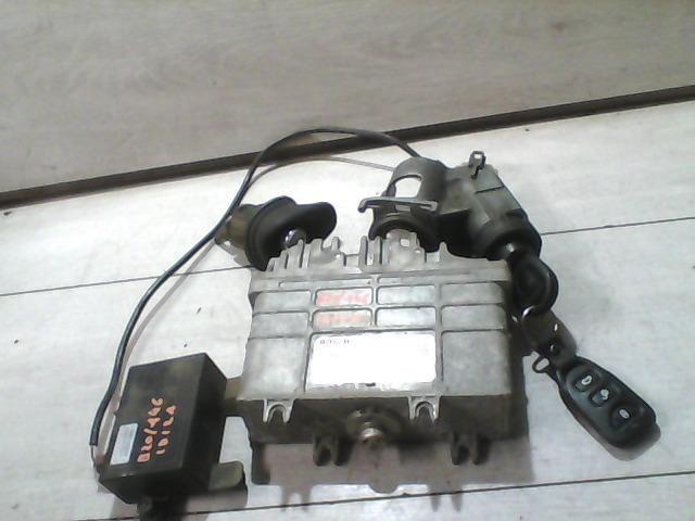 Használt 0261203933 Motorvezérlő egység / ECU / PCM modul Alkatrész