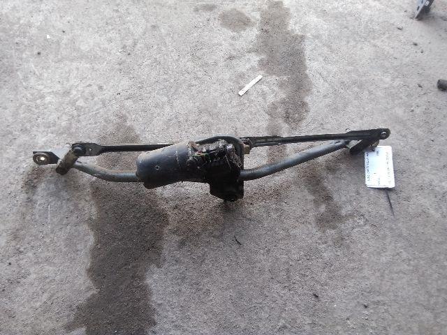 Használt 0390241132 Ablaktörlő mechanika / szerkezet motorral első Alkatrész