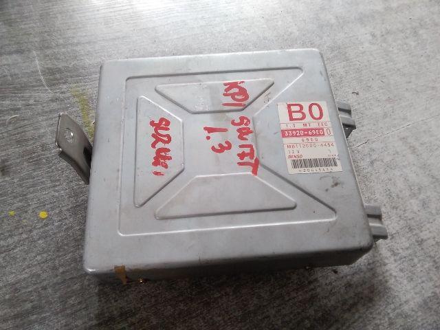 Használt 1120004454 Motorvezérlő egység / ECU / PCM modul Alkatrész