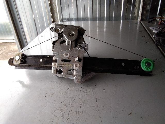 Használt 119970 Jobb hátsó ablakemelő szerkezet (elektromos) Alkatrész