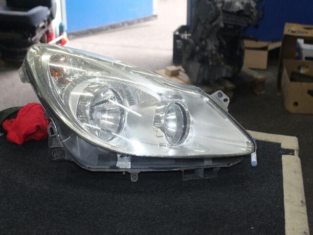 Használt 13186382F Jobb fényszóró / első lámpa Alkatrész