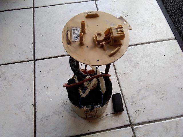 Használt 13509661 Üzemanyag szivattyú / AC / gázolaj pumpa / Benzinpumpa Alkatrész