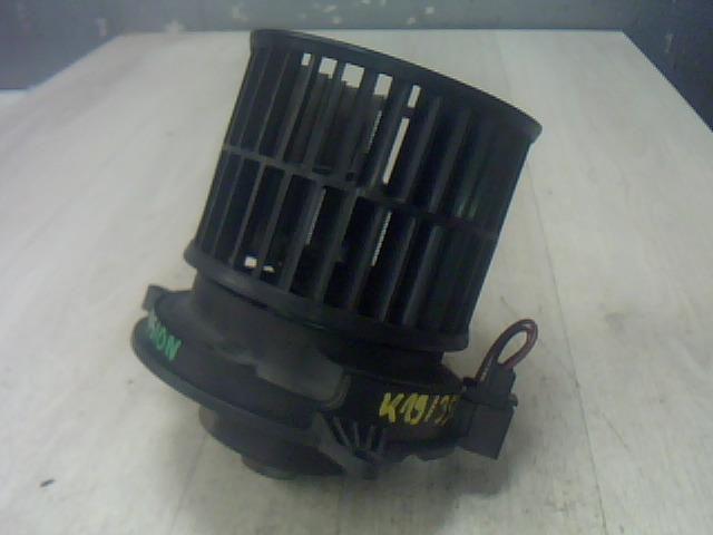 Használt 1736005401 Fűtőmotor / Fűtőventilátor (klímás) Alkatrész