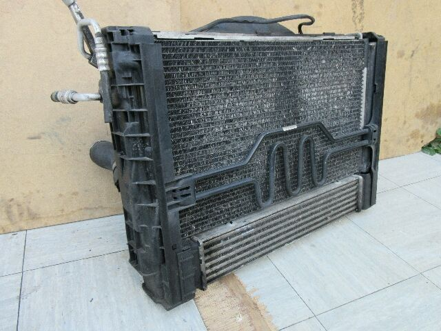 Használt 1742778890608 Hűtő szett - ventilátor(ok), radiátor(ok) Alkatrész