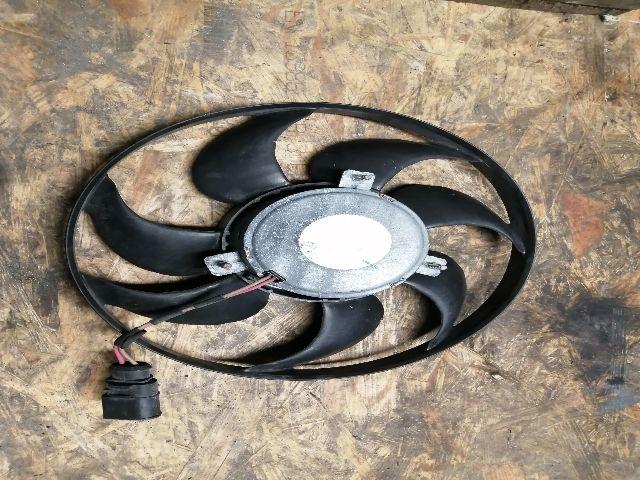 Használt 1K0959455ET Vízhűtő ventilátor / Hűtőventilátor Alkatrész