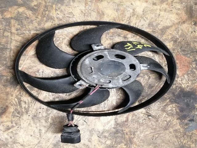 Használt 1K0959455R Vízhűtő ventilátor / Hűtőventilátor Alkatrész