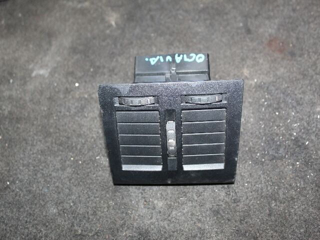 Használt 1Z0819203 Középső szellőző Alkatrész
