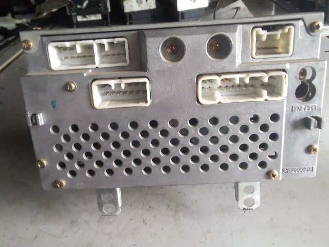 Használt 208352 Autórádió / CD fejegység / Hifi audio / Kezelőegység Alkatrész