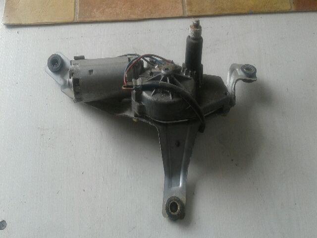 Használt 28710BM415T Ablaktörlő motor hátsó Alkatrész