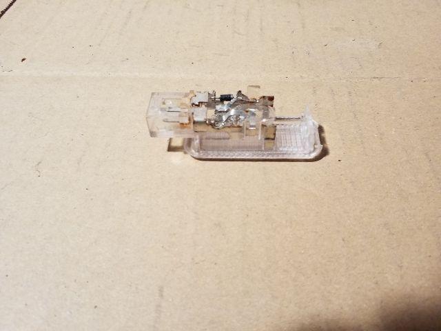 Használt 3B0947415B Csomagtér világítás Alkatrész