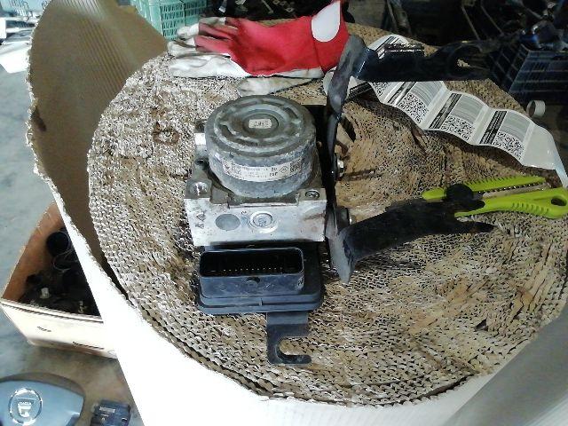 Használt 476605379R ABS kocka / ABS tömb / Blokkolásgátló vezérlő Alkatrész