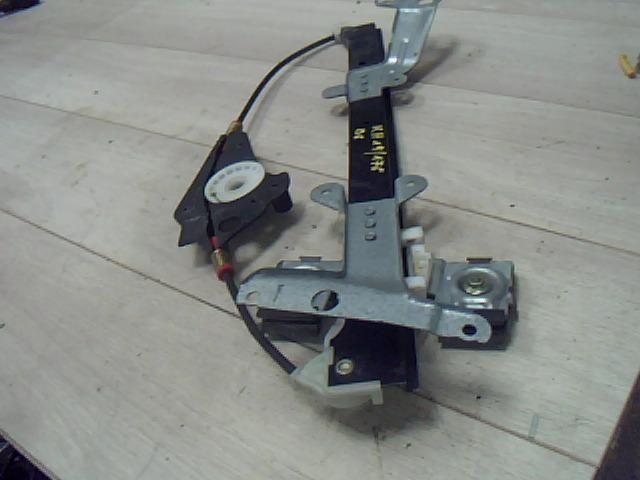 Használt 56021L230403 Bal első ablakemelő szerkezet (elektromos) Alkatrész