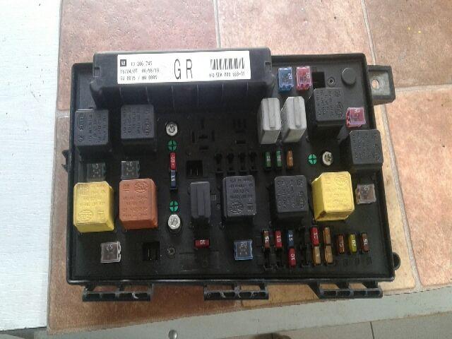 Használt 5DK00866832 Biztosítéktábla / BCM / BSI / BSM / SAM / GEM modul Motortér Alkatrész