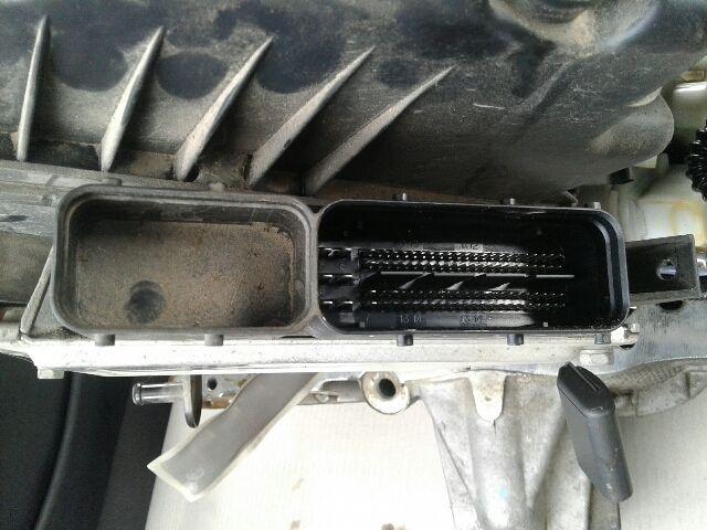 Használt 5WY5266C Motorvezérlő egység / ECU / PCM modul Alkatrész