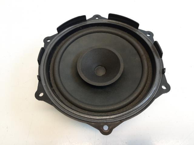 Használt 6J0035411A Bal hátsó hangszóró Alkatrész