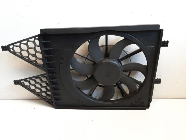 Használt 6R0121207A Vízhűtő ventilátor / Hűtőventilátor Alkatrész