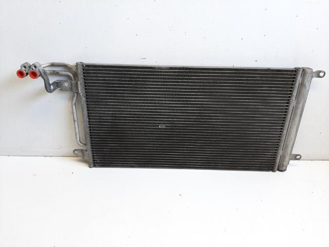 Használt 6R0820411H Klímahűtő radiátor Alkatrész