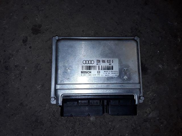 Használt 8D0906018Q Motorvezérlő egység / ECU / PCM modul Alkatrész