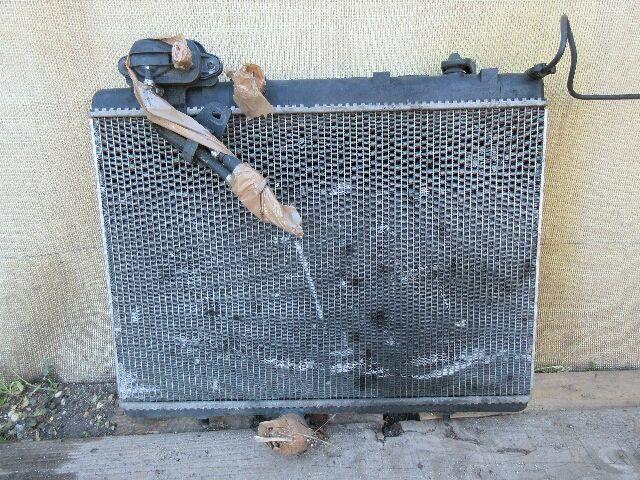 Használt 9651351180 Vízhűtő radiátor (sima) Alkatrész