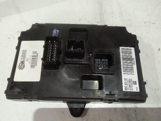 Használt 9656147980 Biztosítéktábla / BCM / BSI / BSM / SAM / GEM modul Utastér Alkatrész