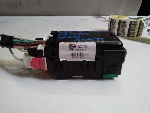 Használt 9665492680 Biztosítéktábla / BCM / BSI / BSM / SAM / GEM modul Motortér Alkatrész