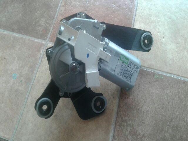 Használt 9683557580 Ablaktörlő motor hátsó Alkatrész