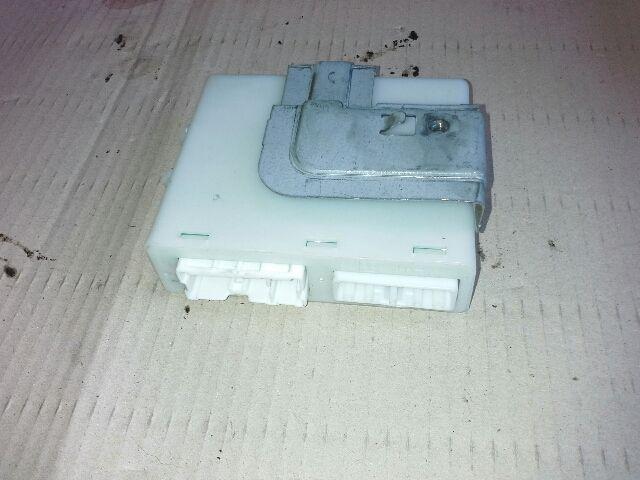 Használt 98800EB300 Komfort modul / elektronika Alkatrész