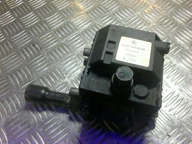 Használt A0001591604 Állófűtés / segédfűtés elektromos szivattyú Alkatrész