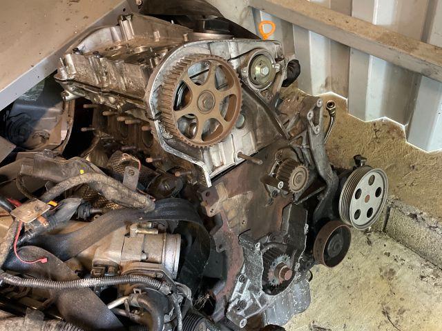 bontott AUDI A4 B6 Motor (Fűzött blokk hengerfejjel)
