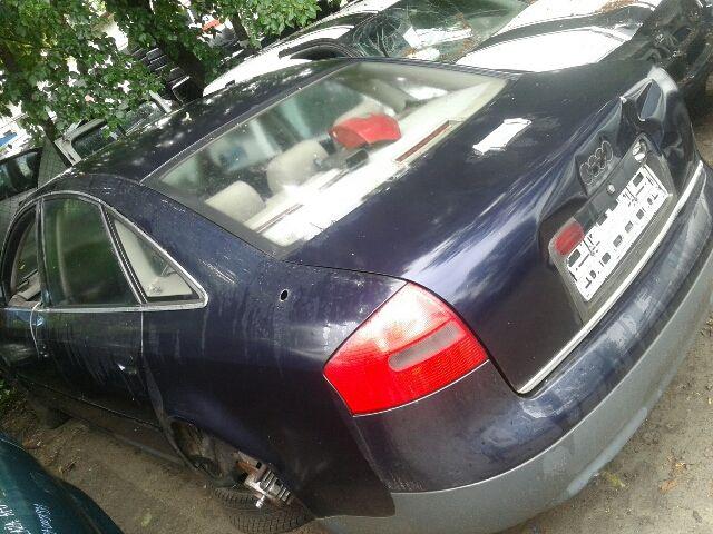 Használt AUDI Motor, benzin (fűzött blokk hengerfejjel) Alkatrész