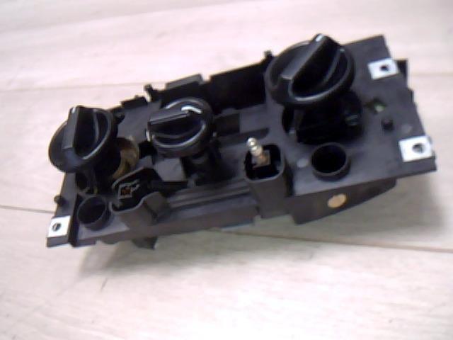Használt b566 Fűtés / Hűtés kapcsoló modul / Klíma vezérlő panel Alkatrész