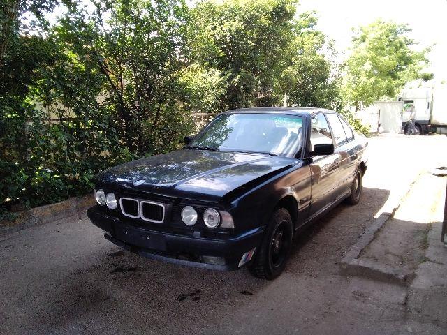 Használt BMW 5 E34 525 tds Bal hátsó vízlehúzó gumicsík / Díszléc Alkatrész