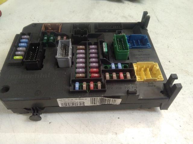 Használt BSIQ0500 Biztosítéktábla / BCM / BSI / BSM / SAM / GEM modul Utastér Alkatrész