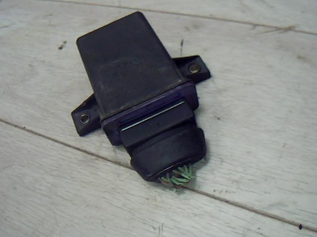 Használt CITROËN XANTIA 1.9 Turbo D Hűtőventilátor relé / vezérlő Alkatrész