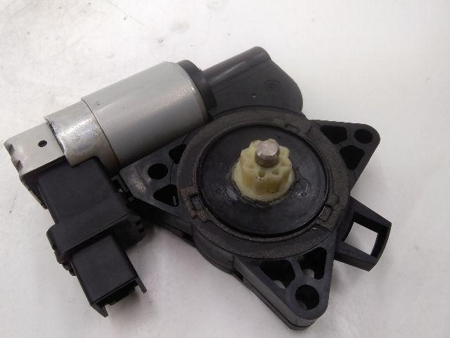 Használt CM011050 Jobb első ablakemelő motor Alkatrész