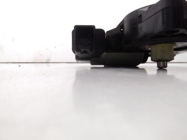 Használt CM011060 Bal hátsó ablakemelő motor Alkatrész
