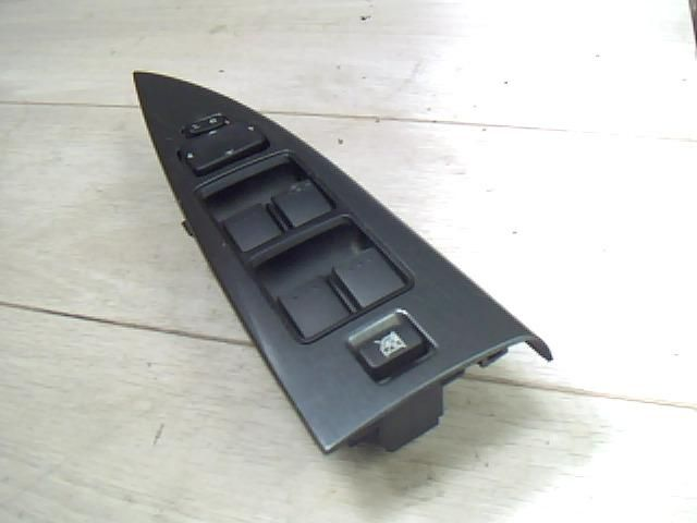 Használt GP9A66350 Ablakemelő kapcsoló Négyes Alkatrész
