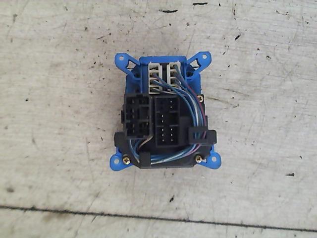Használt LANCIA Y 1.2 16V (840AG1A) Kombinált kapcsoló (középen) Alkatrész