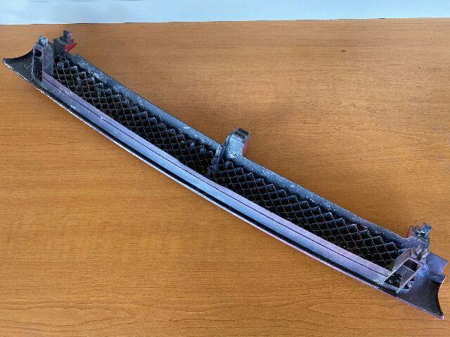 Használt MAZDA 121 Hűtőrács / Hűtőmaszk / Díszrács Alkatrész