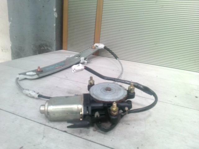 bontott MAZDA MPV Bal hátsó Ablakemelő Szerkezet (Elektromos)