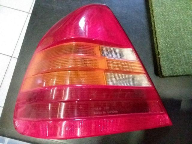Használt MERCEDES-BENZ C-CLASS Bal hátsó lámpabúra Alkatrész