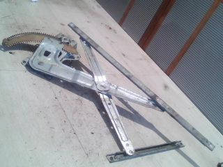 bontott MITSUBISHI L 400 Bal első Ablakemelő Szerkezet (Mechanikus)