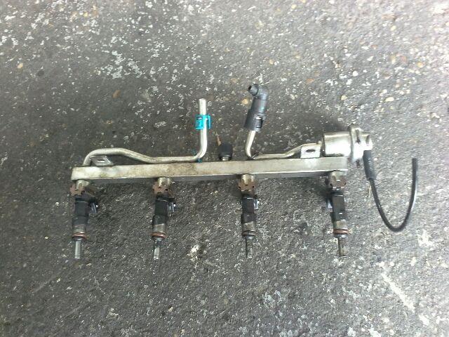 Használt OPEL CORSA D 1.6 Turbo Injektor / Porlasztó csúcs / Befecskendező (híd / szett) Alkatrész
