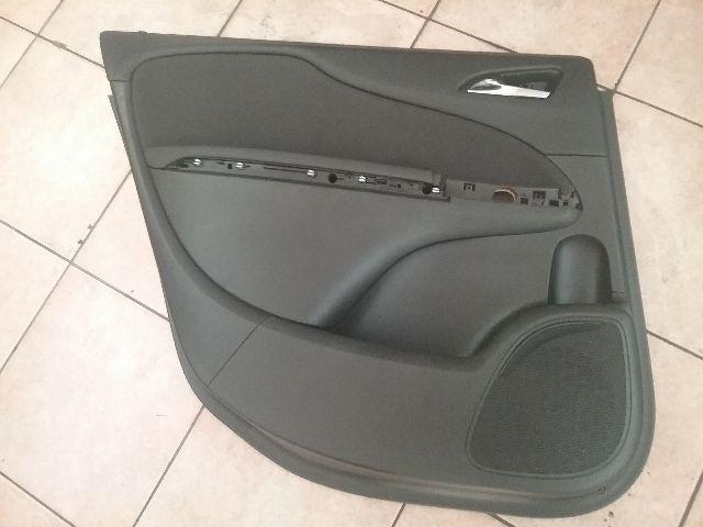 Használt OPEL ZAFIRA C Bal hátsó ajtókárpit könyöklő Alkatrész