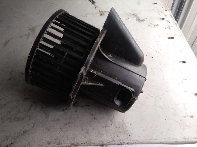 Használt PF2A1B9506 Fűtőmotor / Fűtőventilátor (nem klímás) Alkatrész