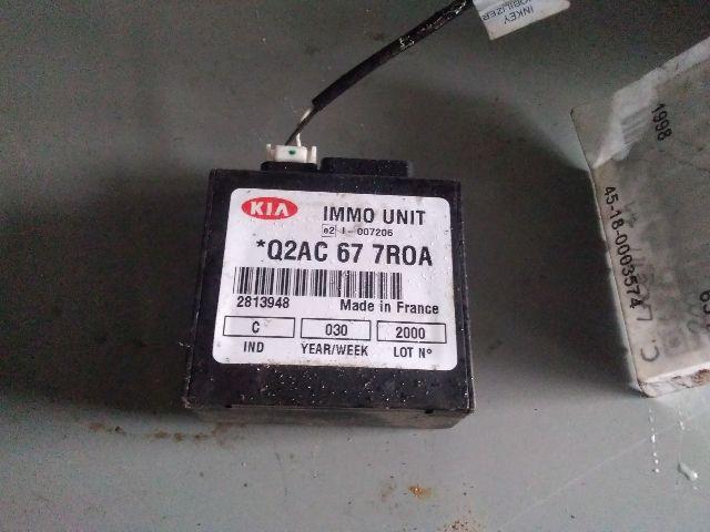 Használt Q2AC677R0A Gyújtáskapcsoló házzal Alkatrész