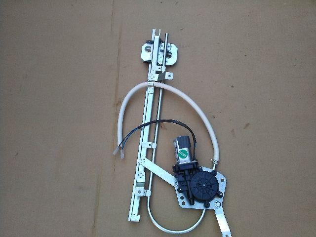 Használt RENAULT 9 Bal első ablakemelő szerkezet (elektromos) Alkatrész